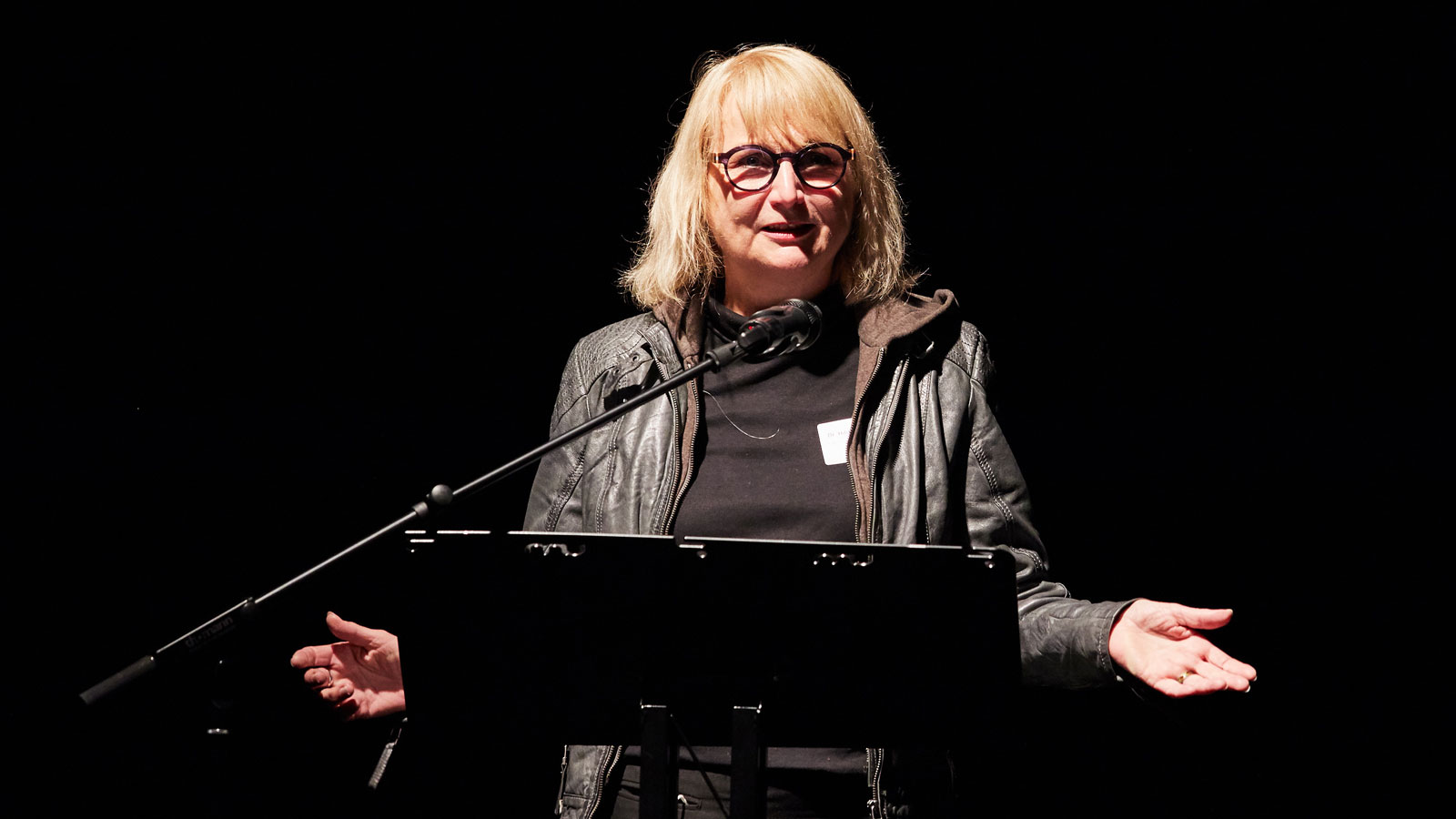 At the ALL IN Symposium. Dr. Hildegard Kaluza gives the opening speech. ©Anna Spindelndreier