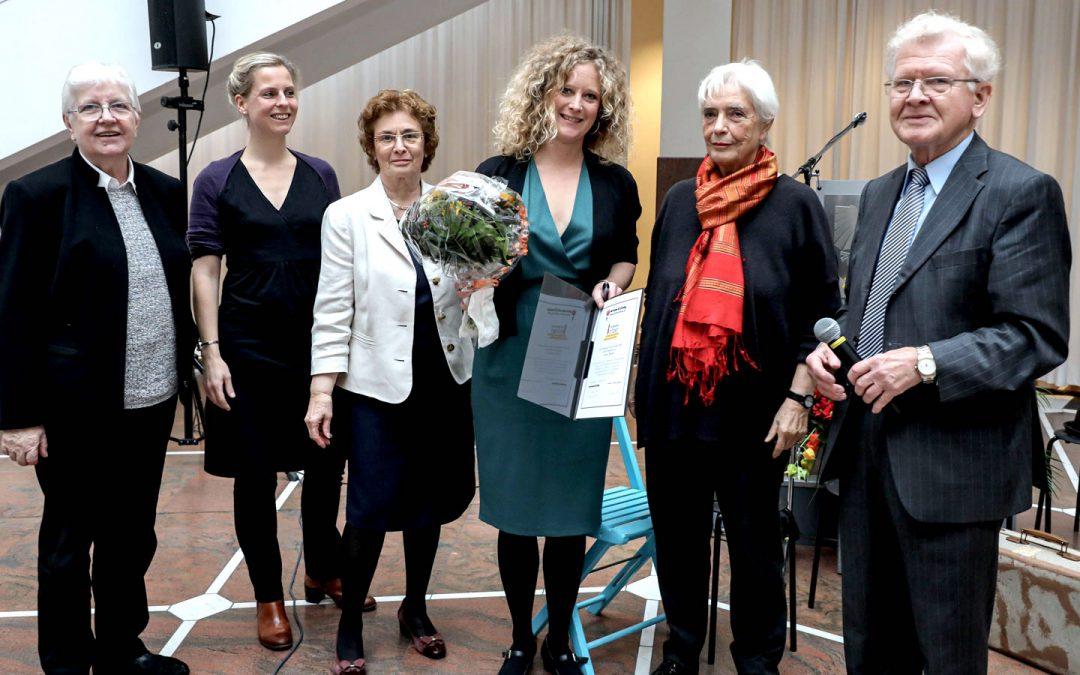 Lisette Reuter erhält InTakt Förderpreis 2019